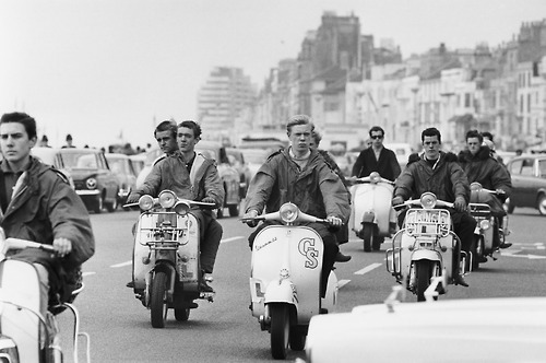 Mod-scooters-mod-60s-movement-32288244-500-332